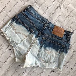 VINTAGE CUSTOMIZED HIGH WAISTED LEVIS CUTOFFS